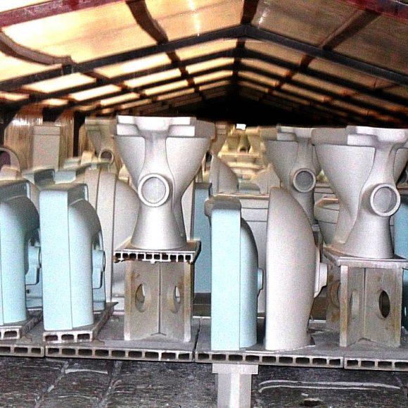 Průmyslovka v keramických závodech LAUFEN v Bechyni