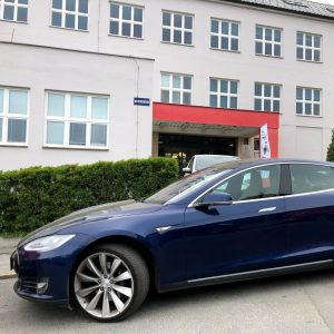 Průmyslovka elektromobilní